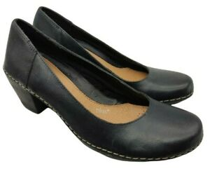 Clarks comfort plus womens black leather  low heel shoes size 6 uk a few marks