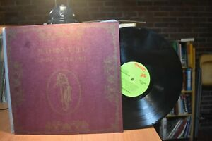 Jethro Tull Living in the Past 2-LP set Chrysalis 2CH1035 ST hard-bound book