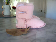 UCG Quality Australian Sheepskin Baby Girl Boots Size M 3-6M (5 1/4 inch) NWT