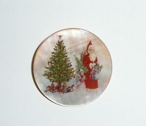 """Victorian Santa Claus w/ Girls on Mother of Pearl Button - MOP Button 1-3/8""""s"""