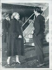 1950 Socialite Sharman Douglas Bids Farewell to Actor Peter Lawford Press Photo