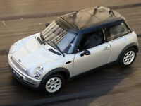 AutoArt Mini Cooper S Millennium Rare 1:18 Toy Model Car Boxed Silver Black Roof