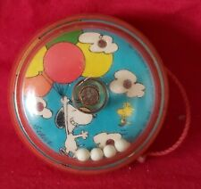 Vintage Retro Peanuts Snoopy Holding Balloons Red and Clear Yo-Yo 1965