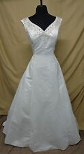 Ivory Wedding Dress Wide Straps Vee Neck/Back Beads 9022 Fits 16/18 Retail $1000