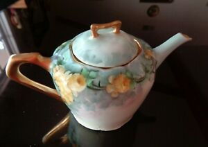 HAND PAINTED MADE IN GERMANY TEA POT, YELLOW ROSES & GOLD, Excellent