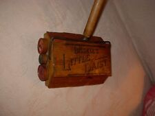 ANTIQUE BISSELL LITTLE DAISY CHILD'S WOOD SWEEPER TOY primitive laundry