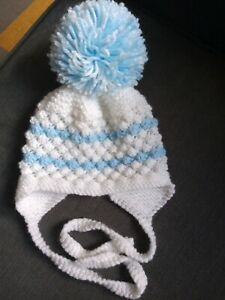 Baby boys hand knitted hat 0-3 months Excellent Condition