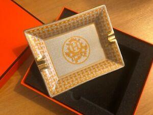 Hermes Aschenbecher Gold 17,5x13 cm