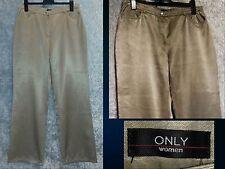 Edle Jeans aus Seidenglanz - Baumwolle in kühlem Beige , bequemer Loose Schnitt