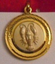 belle médaille couleur or astrologique signe zodiac cancer ronde relief * 4822