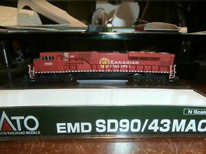 KATO N-SCALE EMD SD90/43 MAC DIESEL LOCOMOTIVE--CANADIAN PACIFIC-9125