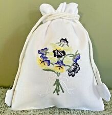 Embroidered cotton drawstring bag/giftbag