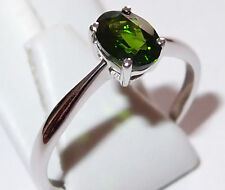 Classic Russian Diopside solitaire (oval, 1.000ct) 9K White Gold ring, Size Q.