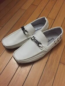 White Leather Evergreen Shoes Size 10