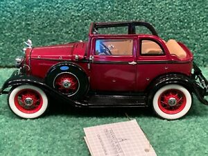FRANKLIN MINT 1932 Ford V8 BONNIE & CLYDE with BULLET HOLES Rare Diecast 1:24
