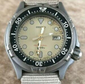 SEIKO 200M 2A22-0310 DIVERS ALL TITANIUM Quartz DATE 35mm LADIES Watch Rare! JDM