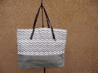 Gray & White Chevron Straw Shopper Beach Gym Tote Bag Large Handbag Big Purse