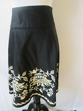 White House Black Market Skirt Women's Floral Embroidered A-Line Size 6