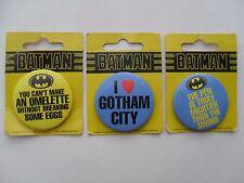 Comic BATMAN DC Comics 1989 New SET 3 Button PIN BADGES on CARD Pins Badge LOT