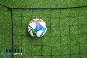 Sports Barrier Netting: 10m x 3m Net / 100mm sq with 6mm Rope Border