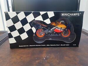 Minichamps 1.12 Honda Rc211v Repsol Honda Team. Rider Valentino Rossi Motogp...