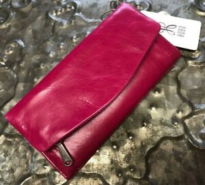 HOBO INTERNATIONAL~Stevie Foldover Leather Wallet Clutch~Stunning FUCHSIA SHADE!