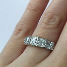 Diamond Right Hand Ring in 18k Gold 0.50 Ct Round Brilliant and Baguette Cut