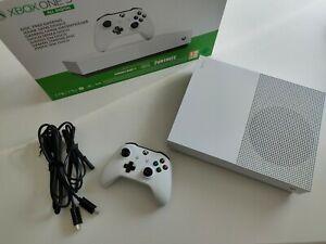Xbox One S 1TB All Digital Edition + Minecraft