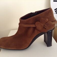 Fornarina short boots amber suede Size 39, flower detail closure.