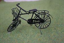 Casa de muñecas en miniatura 1/12th Black Metal Bicicleta/Bicicleta Cesta Con