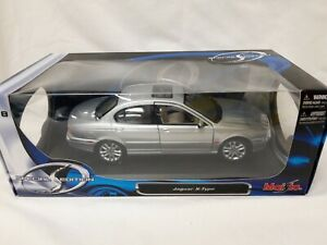 Silver Jaguar X-Type 1:18 Special Edition By Maisto Boxed VGC #497