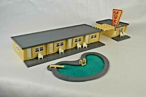 """Plasticville """"Motel"""" With Swimming Pool 12 1/8"""" long Excellent Built Condition"""