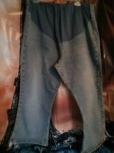 XXLarge Women's Capri.by Old Navy.( Maternity/ Stretchy/ adjustable waist)