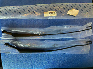 NEW GENUINE FORD TRANSIT CONNECT FRONT WIPER ARMS LEFT HAND DRIVE 2002 TO 13 NOS