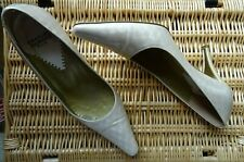 CHARLES JOURDAN OYSTER BEIGE PATENT LEATHER SHOES SIZE US 7 UK 4