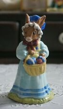 Vintage Royal Doulton Figurine Mrs Bunnykins at the Easter Parade Db19, England