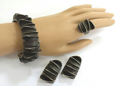 VINTAGE 925 STERLING SILVER MODERNIST BRACELET, PIERCED EARRINGS & RING SIGNED