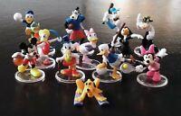 12 Personaggi Walt Disney sport circa 5 cm in plastica piedistallo trasparente