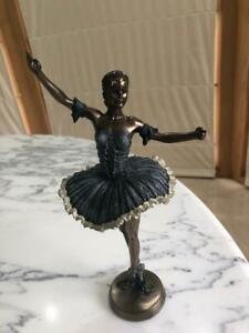 Ballerina raising right arm - veronese Statue  29cm(H)