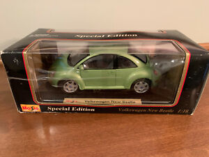 Maisto 1/18 Green VOLKSWAGON NEW BEETLE Special Edition