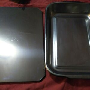 Pre-owned vintage Vollrath 10qt Baking pan with cover in original box, SR 112332