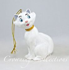 Disney Duchess The Aristocats Storybook Ornament Replacement White Cat Mother