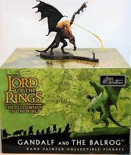 BRITAINS 40258 LORD OF THE RINGS - GANDALF AND THE BALROG HAND PAINTED SET