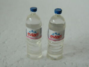 (F18) DOLLS HOUSE FOOD/DRINK :- 1/12TH SCALE 2 X BOTTLES OF WATER (EMPTY) 3CM