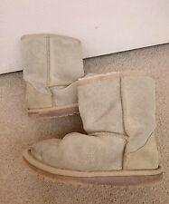 Girls childs Ugg Australia Boots Size Uk 12 EU 30 sparkly cream gold