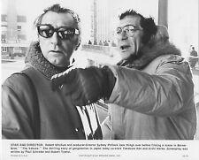 THE YAKUZA original 1974 on the set still photo ROBERT MITCHUM/SYDNEY POLLACK