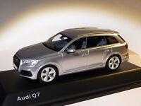 Audi Q7 de 2015 gris argent au 1/43 de  spark