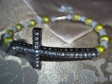 7 1/2 in GREEN Glass & WHITE Crystal Bead Cross MAGNETIC Clasp Bracelet  L-12