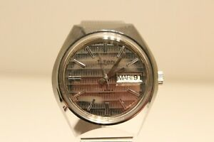 """VINTAGE STAINLESS STEEL MEN'S SWISS AUTOMATIC DAY&DATE WATCH """"TITAN""""/RARE DIAL"""
