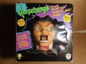 Very rare vintage 1996 Goosebumps Giant Freaky Faces Slappy rubber hand puppet
